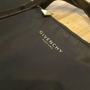 Fab, GIVENCHY, Parfums tote!!